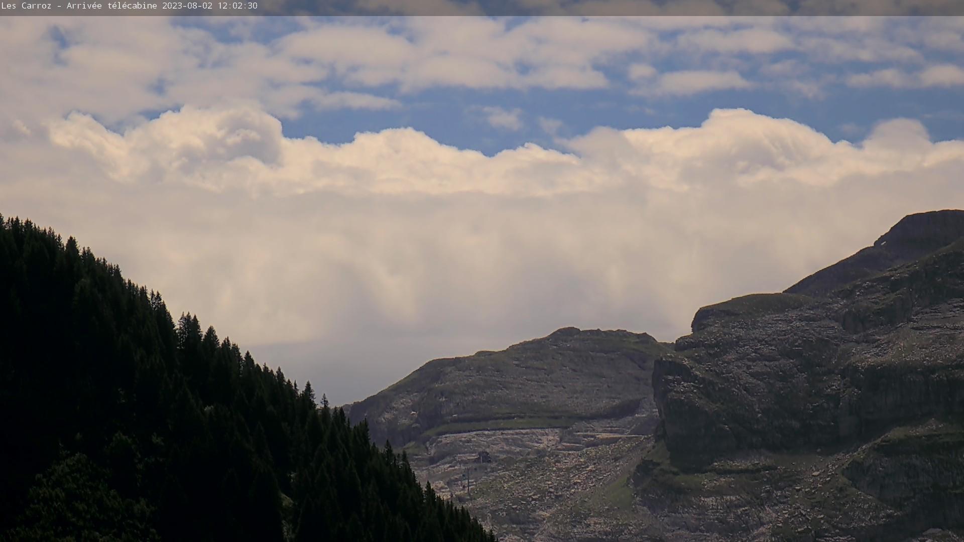 Les Carroz web camera - Kedeuze ski station